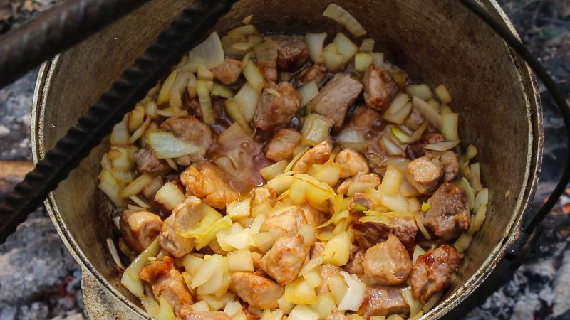 Рецепт плова в казане на костре из свинины