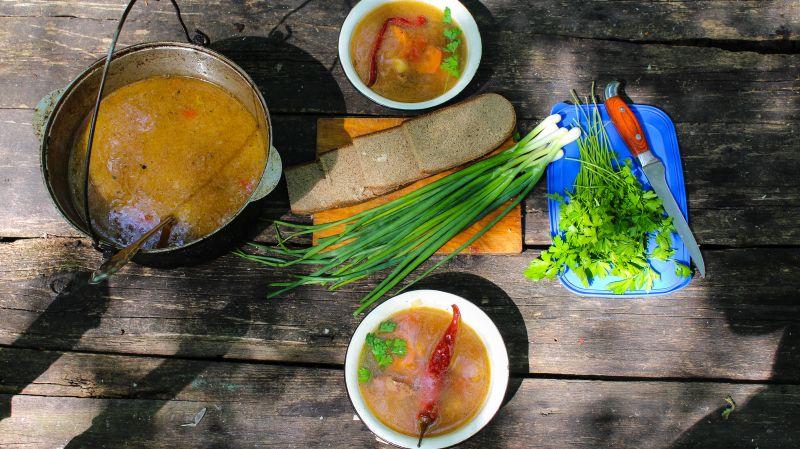 охотничий суп в казане